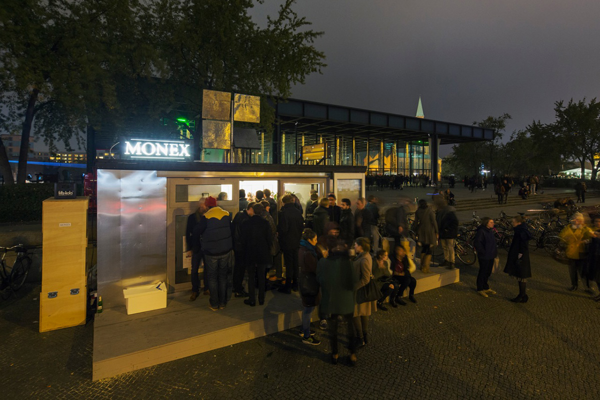 art_action_monex_container_module_Infopoint_national_galery_berlin_twotimestwentyfeet_2x20ft_container_architecture