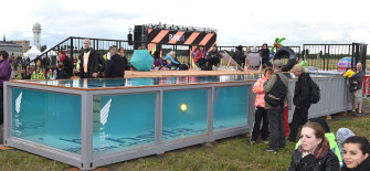 twotimestwentyfeet_nike_women's_run_container pool_frauenlauf_2x20ft